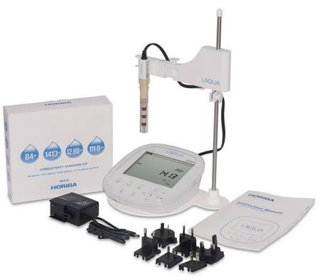 Horiba EC1100-S meter kit including electrode, solutions and stand