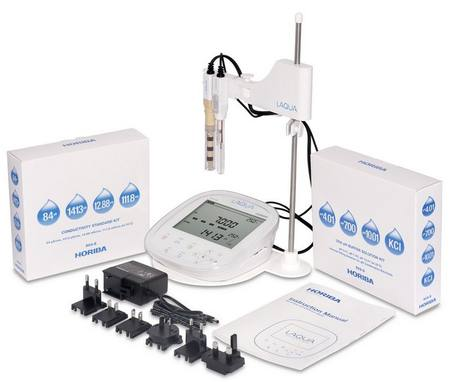 Horiba PC1100-S meter kit including electrode, solutions and stand